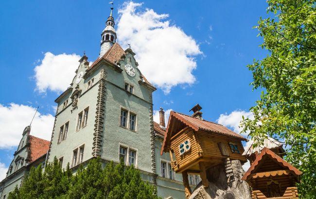В атмосфере истории: самые красивые замки Украины, которые стоит увидеть каждому