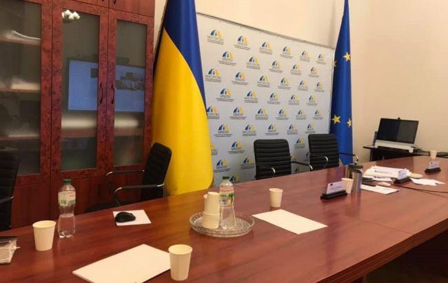 """""""Експерт ЛДНР"""" знову з'явилася в ТКГ. Українська делегація залишила сьогоднішнє засідання"""