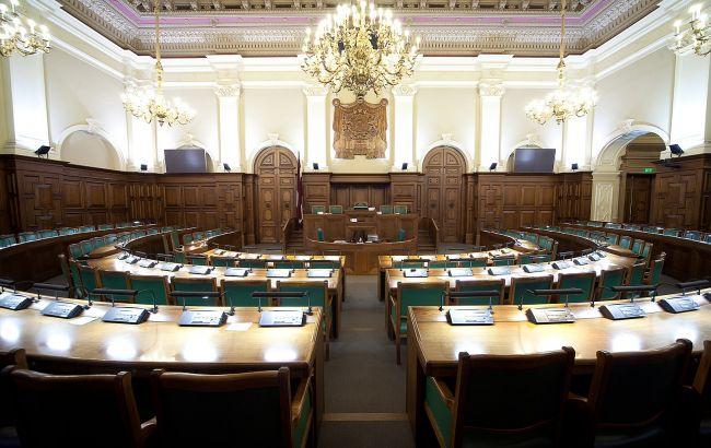 Латвія прийняла закон про заборону георгіївської стрічки