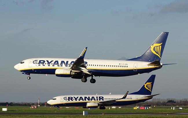 Фото: Ryanair знижує тарифи на перельоти