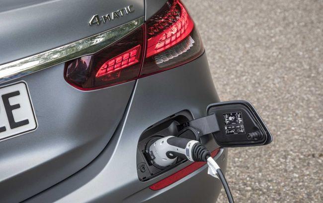 Mercedes-Benz прекращает разработку новых гибридов