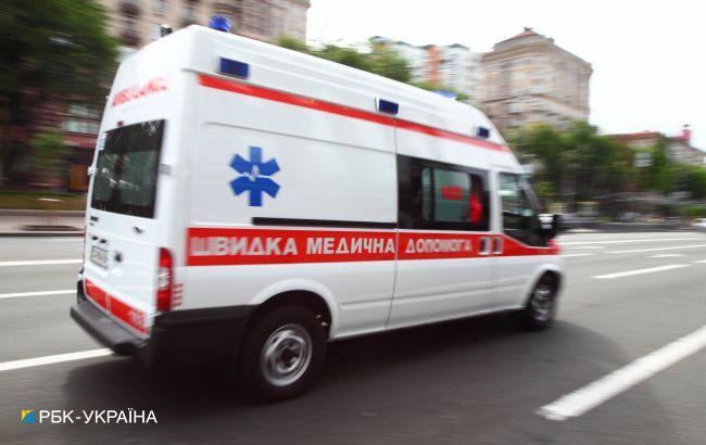 """На Буковине в """"скорой"""" умер иностранец, которого отказались принимать две больницы"""