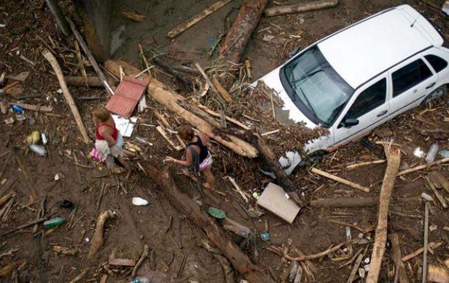 Жертвами схода селевого потока вКолумбии стали неменее 250 человек