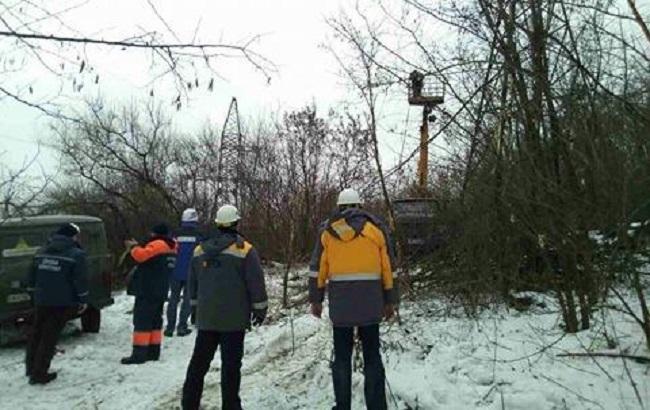 Фото: восстановление электричества в Авдеевке