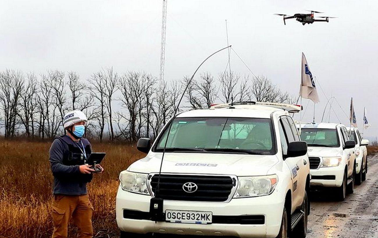 "Боевики размещают тяжелую технику на Донбассе: ОБСЕ заметила танки и ""Грады"""