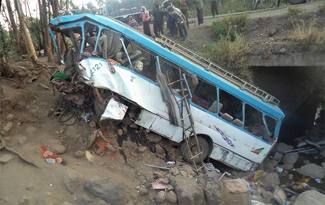 В Эфиопии в ДТП с автобусом погибли 38 человек