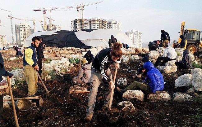 """В Израиле археологи обнаружили дом возрастом 2,8 тысячи лет: раскрыт """"секрет"""" его владельцев"""