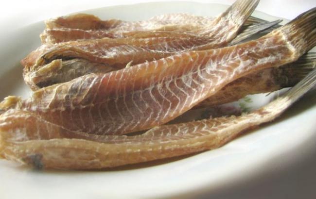 ВКиеве из-за отравлений сосмертельным исходом запретили торговать вяленую рыбу