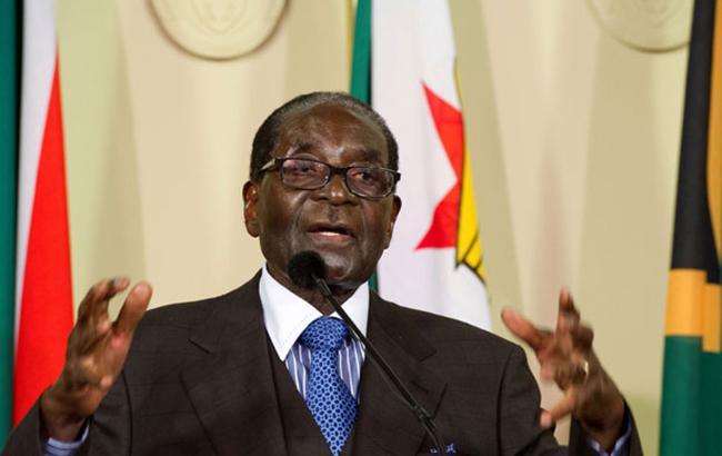 Президент Зимбабве Роберт Мугабе отказался уходить вотставку