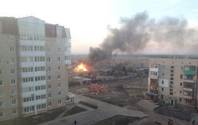 Бойовики обстріляли Ясинувату, є попадання у житлові будинки, - журналіст