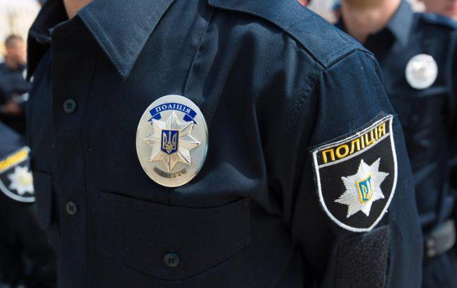 Фото: поліцейські затримали дебошира в Костянтинівці