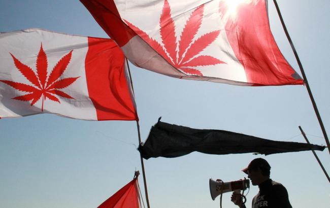 В Канаде легализовали продажу марихуаны