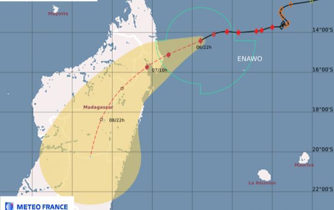 Фото: циклон Енаво на Мадагаскарі