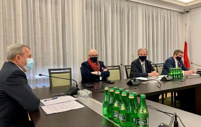 Депутаты польского Сената приняли резолюцию в поддержку Украины на фоне агрессии РФ