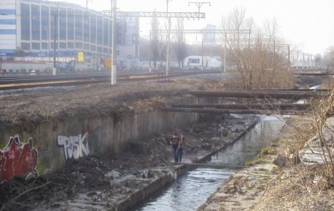 Фото: Река Лыбедь (firstsocial.info)