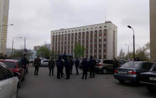 Оболонский суд рассматривает дело «Торнадо» взакрытом режиме