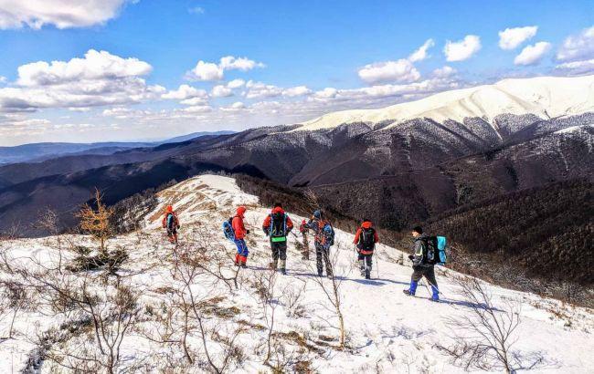 Рятувальники закликали туристів реєструватися перед походами в гори: як це зробити