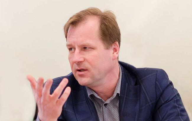 Правительство одобрило отставку замглавы НАПК Радецкого