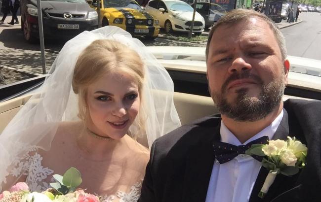 Український продюсер поділився зворушливим фото з новонародженою дочкою