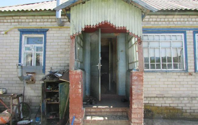 У Луганській області чотири злодія пограбували пенсіонера, зв'язавши його простирадлом
