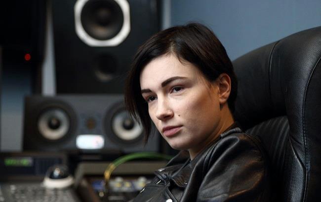 Приходько представила провокаційний кліп з лесбійськими сценами