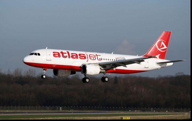 Без особливого оптимізму: Atlasjet Ukraine починає регулярні польоти