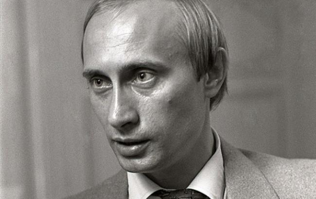 Владимир Путин во время работы в КГБ