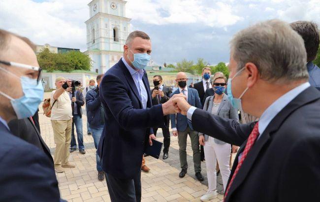 Кличко встретился с послами 20 европейских стран на открытии Дня Европы в Украине