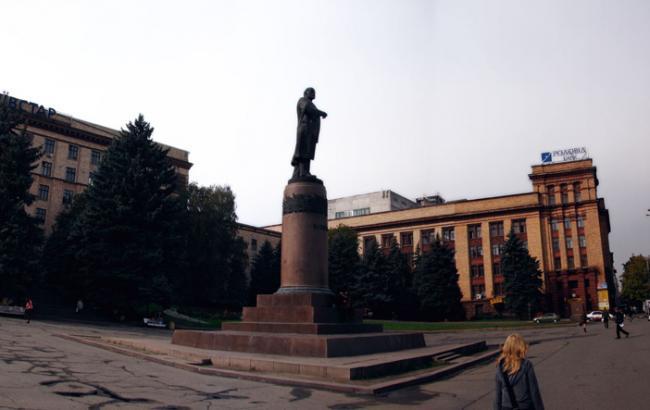 Фото: демонтированный памятник Ленину в Днепропетровске