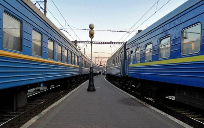 """Фото: """"Укрзализныця"""" запустит три дополнительных поезда на западную Украину"""