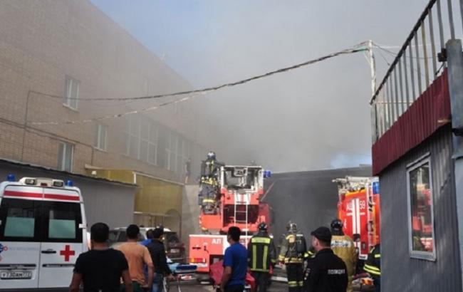 Фото: пожар на складе в Москве