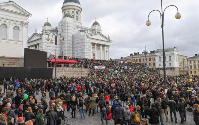 Фото: протестувальники в центрі Гельсінкі