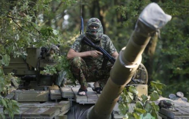 Українська розвідка виявила колону з 20 танків бойовиків у Донецьку