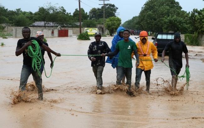 "Фото: Последствия урагана ""Мэтью"""
