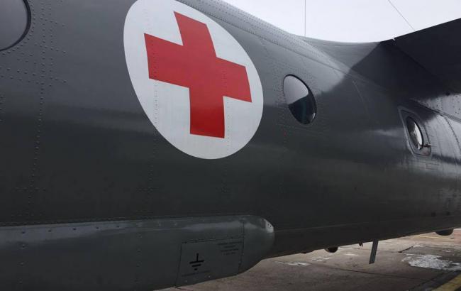 В Днепр на военном самолете доставили семь раненых бойцов АТО