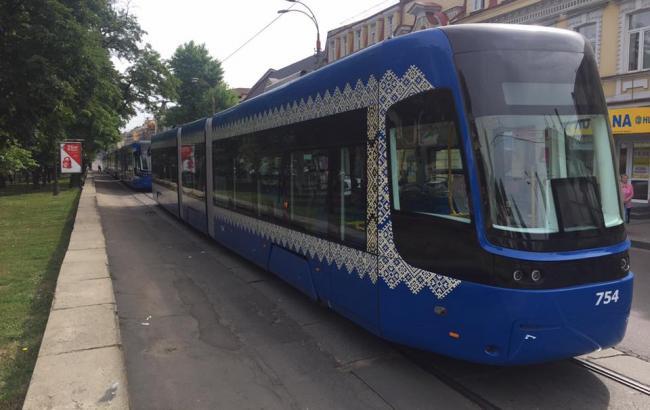 Фото: Скоростной трамвай на Подоле (facebook.com/ilyasagaidak)