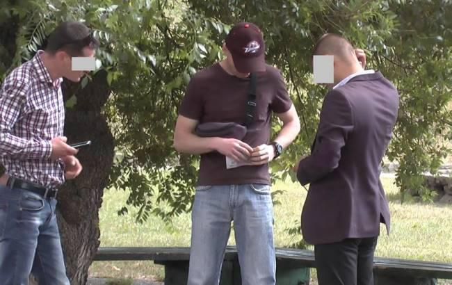 Фото: Правоохоронець-наркоторговець (facebook.com/ssu.vinnytsia)