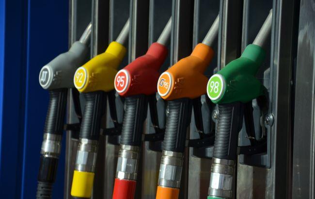 Фото: цены на АЗС в Киеве не изменились