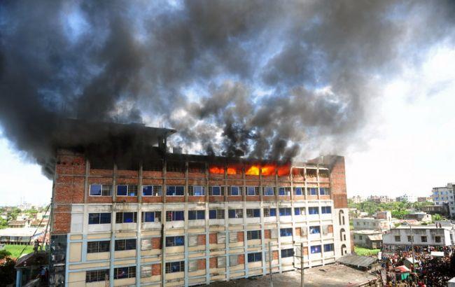 Фото: пожежа на фабриці в Бангладеш