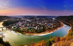 Заповедники, водопады и панорамы. Лучшие уголки Украины для путешествий в октябре