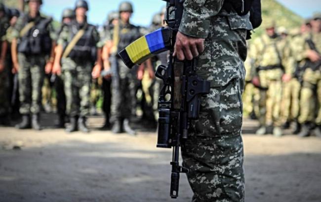 Під час зіткнень на півдні зони АТО поранено 2 українських військових, - штаб