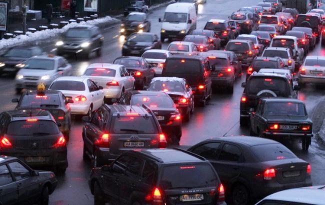 Фото: пробки в Киеве (УНИАН)