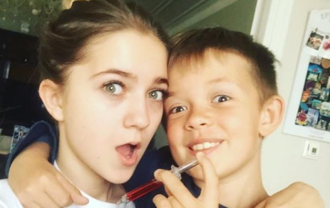 Фото: Наталія Горова і її молодший брат, рідний син Потапа (instagram.com/potapchiq)