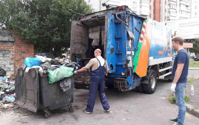 Зі Львову за добу було вивезено понад 640 тонн сміття