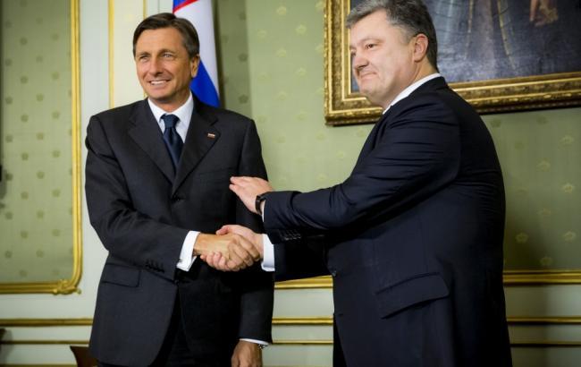 Порошенко оботставке Саакашвили: «Надеюсь, Кабмин поддержит его решение»