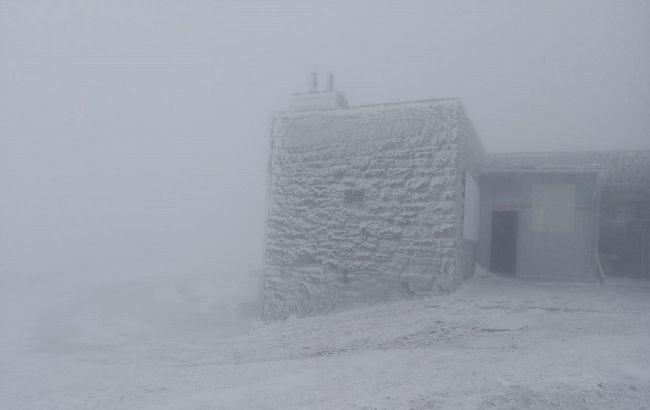 У Карпатах в перший день літа сніг та -1 градус морозу