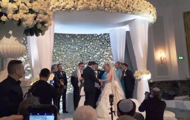 Елтон Джон, Мерайя Кері та Антоніо Бандерас виступили на весілля внучки російського олігарха