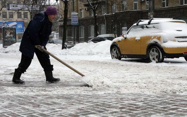 Фото: на дорогах через негоду в Україні загинули 8 осіб