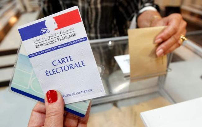 Кполудню навыборах воФранции отдала голос практически треть избирателей