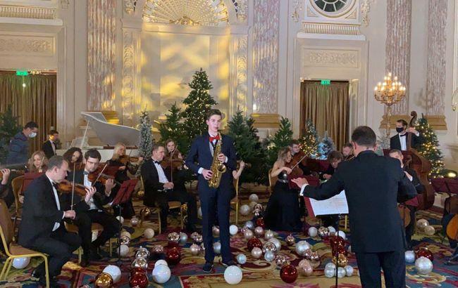 19 декабря у главной елки на Софийской площади представят сказочный концерт